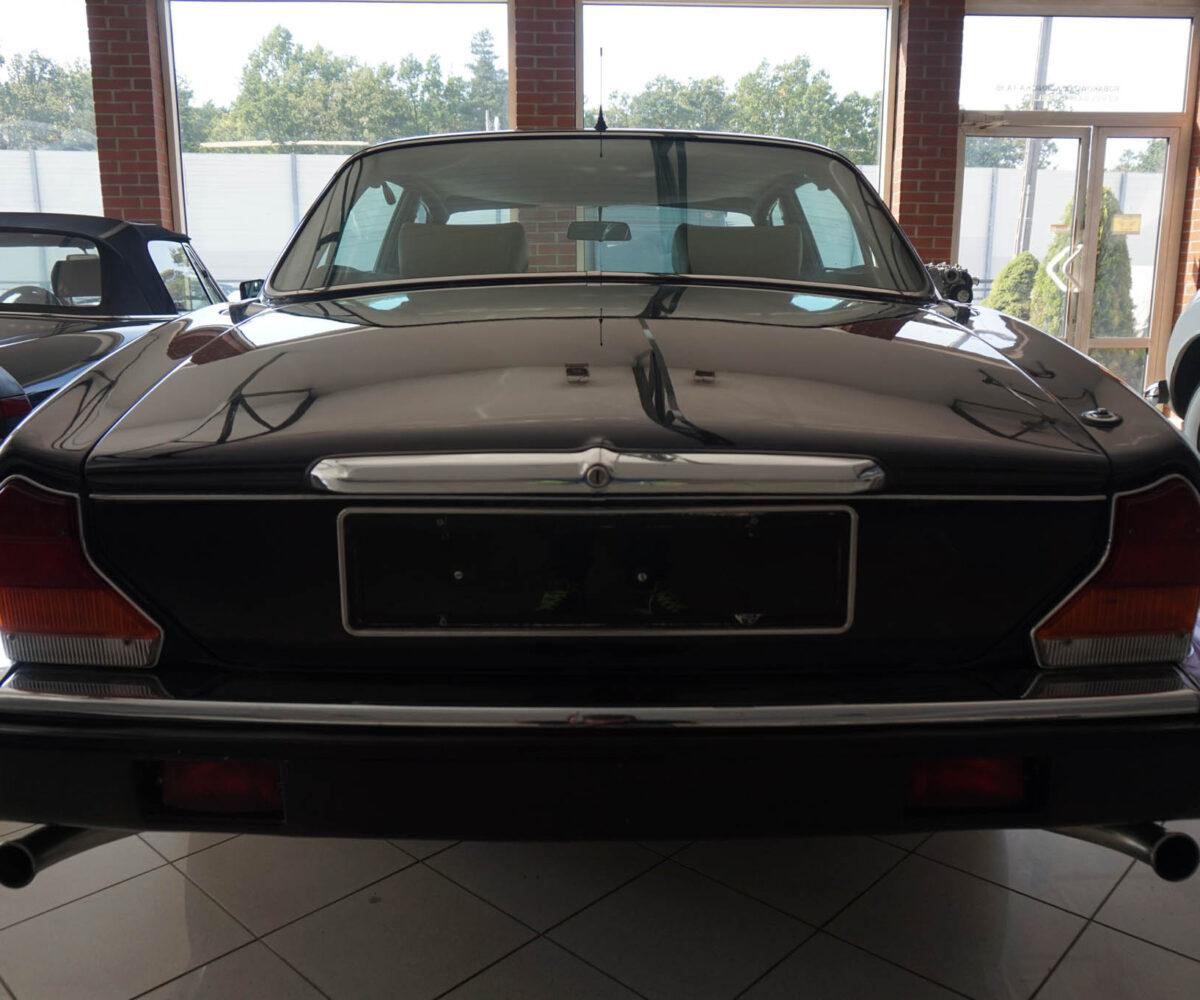 jaguar-xj12-08