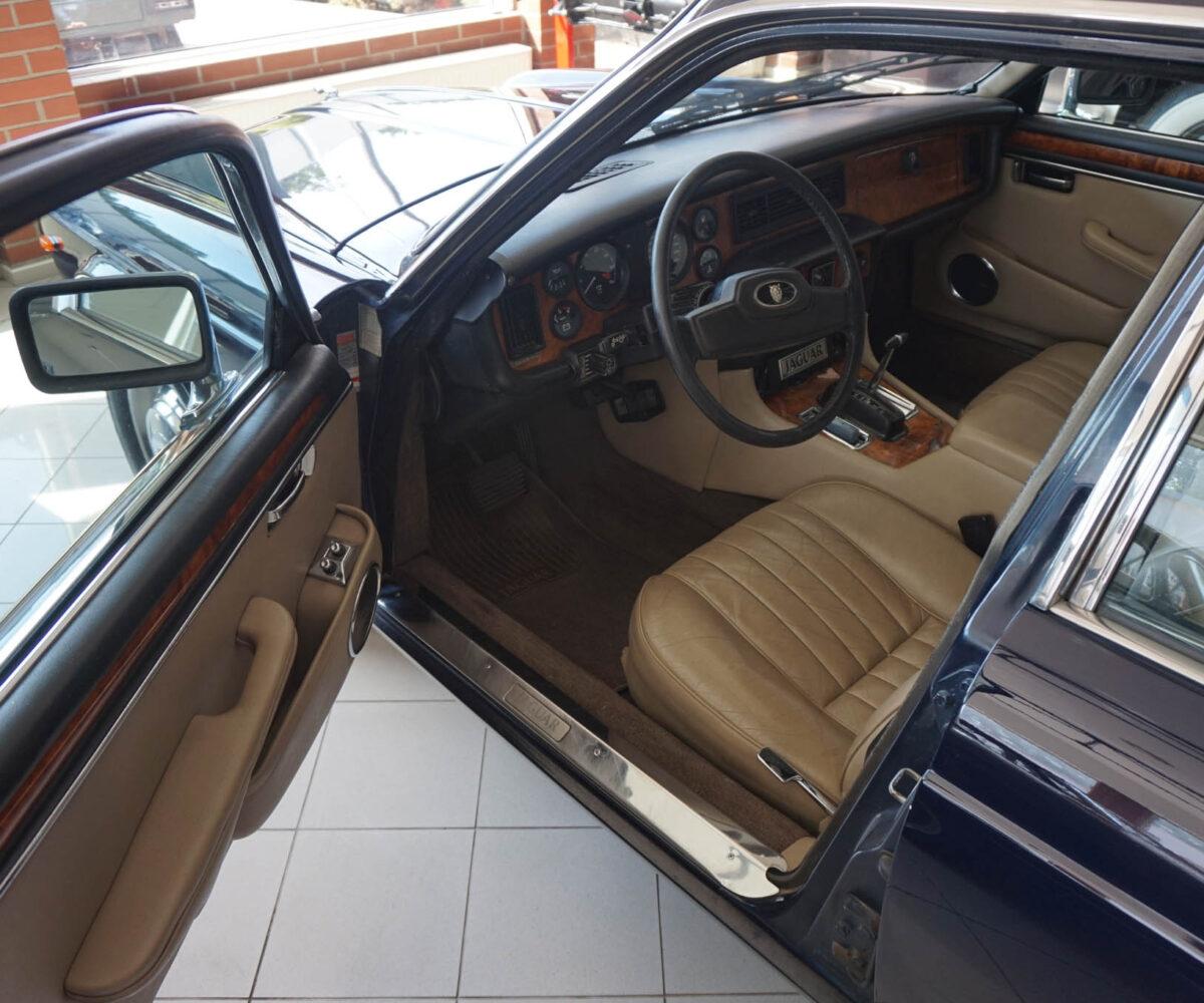 jaguar-xj12-12
